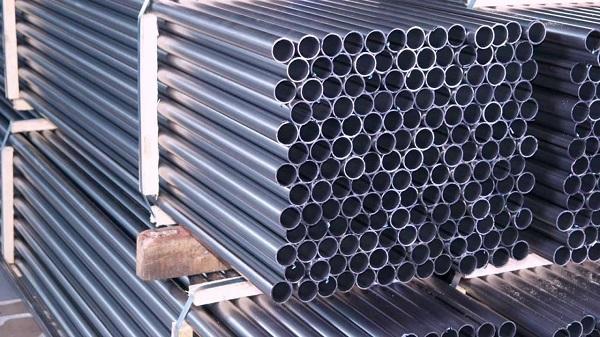 Водогазопроводные трубы – самый распространенный материал для сборки бытовых водопроводных систем
