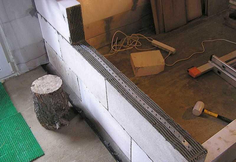 перегородка из пеноблока на деревянный пол