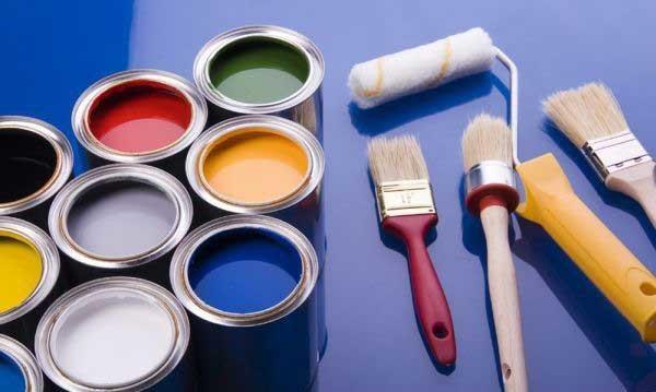 Чем лучше выполнять покраску вагонки