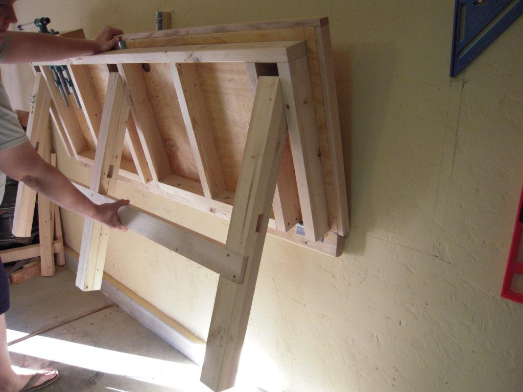 Откидной стол в гараж своими руками