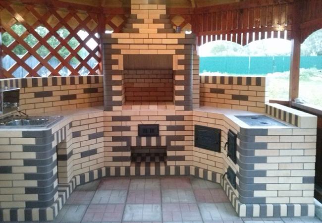 Красивая конструкция для уличной готовки