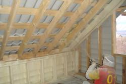 Утепление мансардной крыши жидкой теплоизоляцией