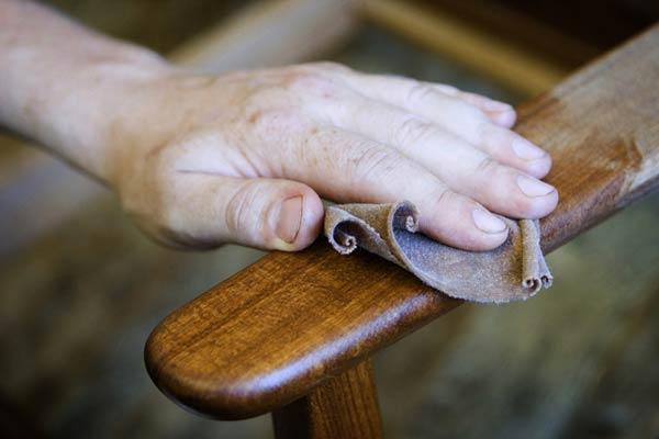 Как производится покраска мебели своими руками?