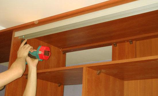 Сборка двери шкафа-купе своими руками