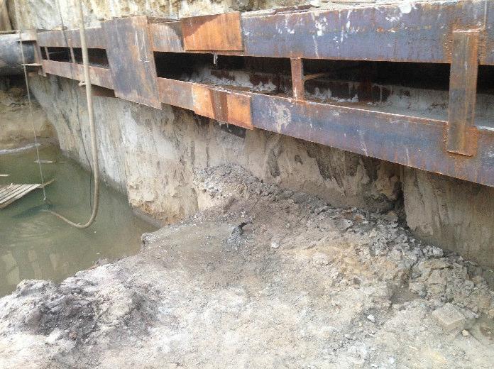 Уровень воды ниже шва требующего аварийного ремонта