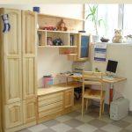 Мебель из натурального дерева в детскую
